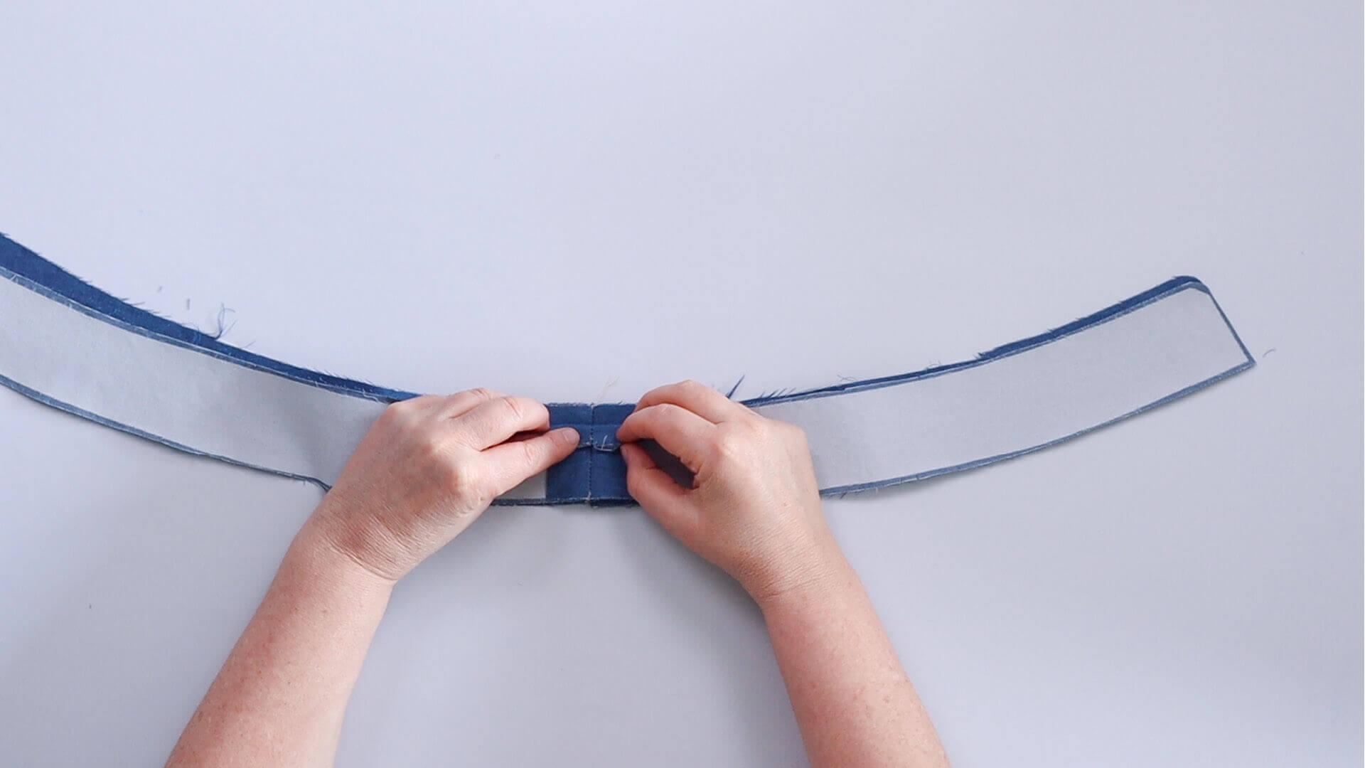 angesetzten Hosenbund #B01 selber nähen-Innen- und Außenbund rechts auf rechts zusammenstecken