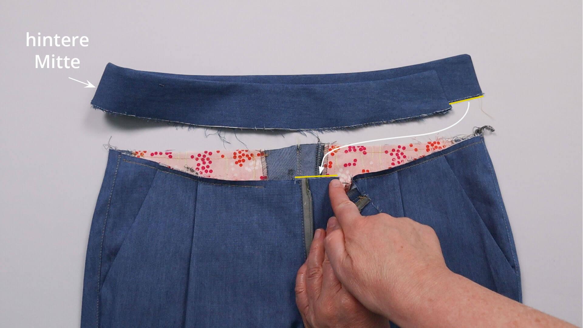 angesetzten Hosenbund #B01 selber nähen-längere Bundhälfte der Untertrittseite zuordnen