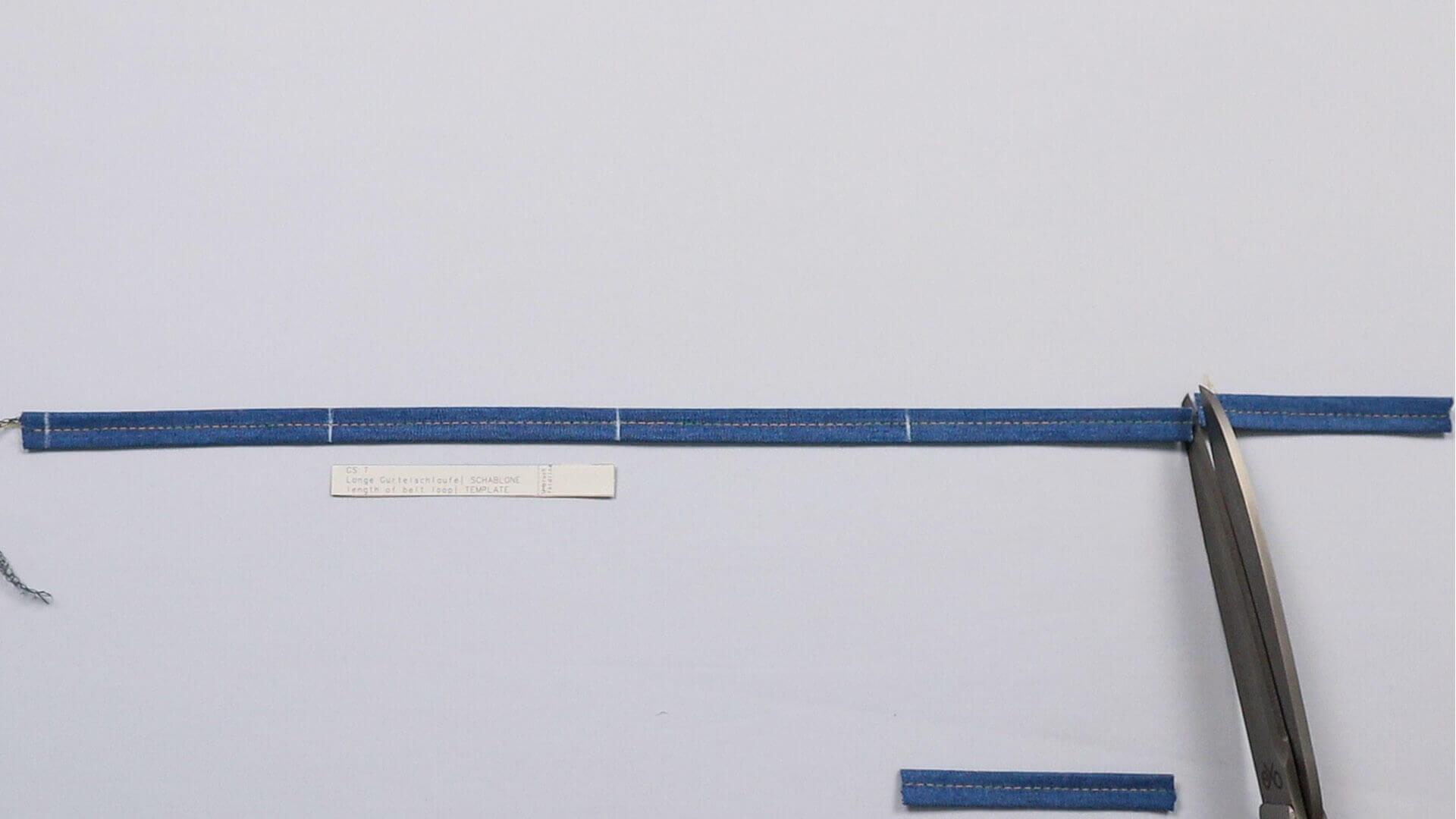 angesetzten Hosenbund #B01 selber nähen-Gürtelschlaufen mit Schablone auf Länge zuschneiden