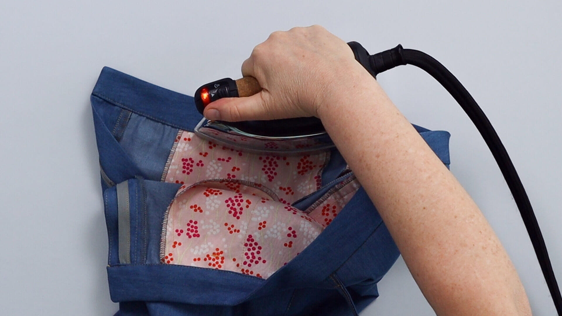 angesetzten Hosenbund #B01 selber nähen- Bund bügeln