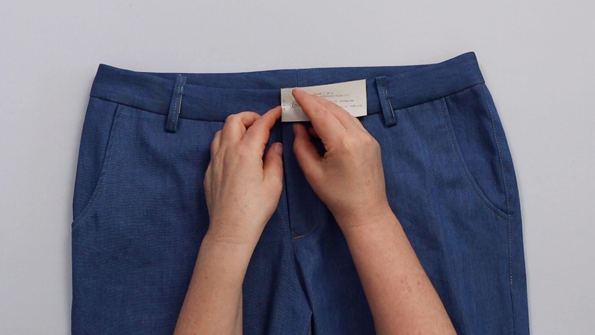 angesetzten Hosenbund #B01 selber nähen- Knopflochposition anzeichnen