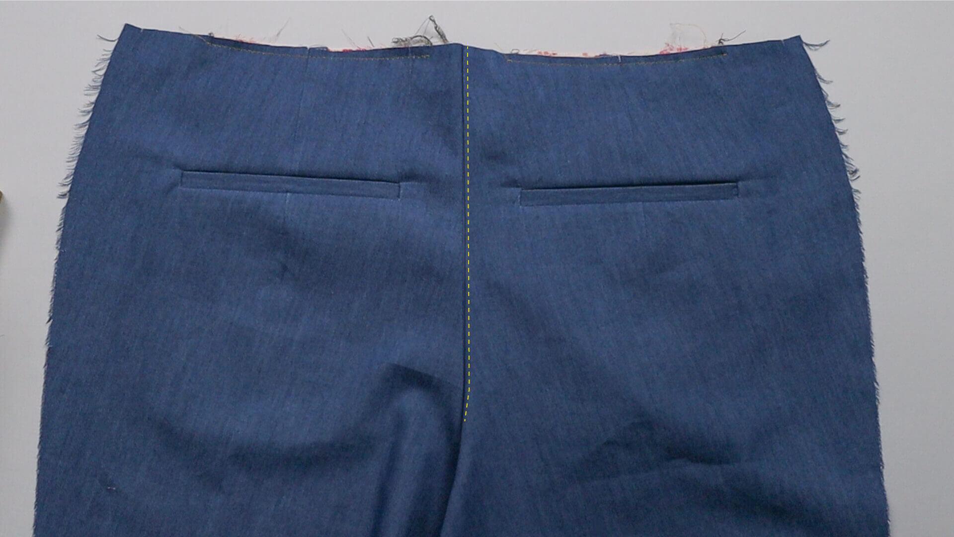smartPATTERN Anleitung #BE01 zum Mass Hose selber nähen-DIY- 2 mm Ziersteppung der Gesäßnaht